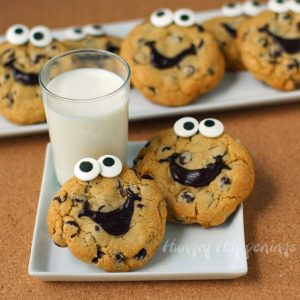 Happy-chocolate-chip-cookies-1